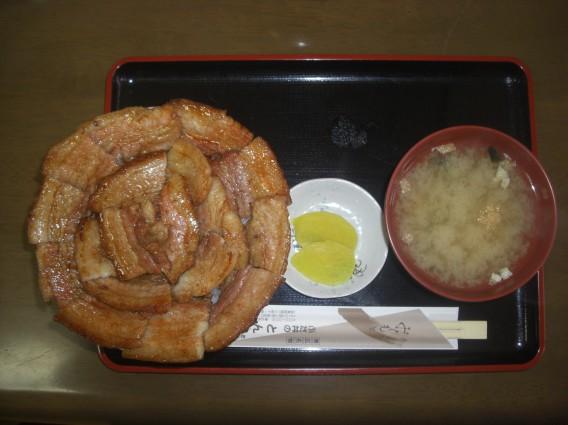 帯広 豚丼 とん田