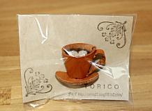 コーヒーカップのブローチ2