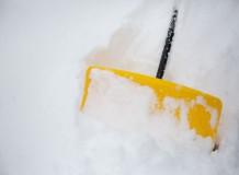 除雪作業、雪道での転倒、お車での追突など、お身体を痛めた場合はご相談ください